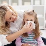 子供 看病 ママ 鼻水 ティッシュ