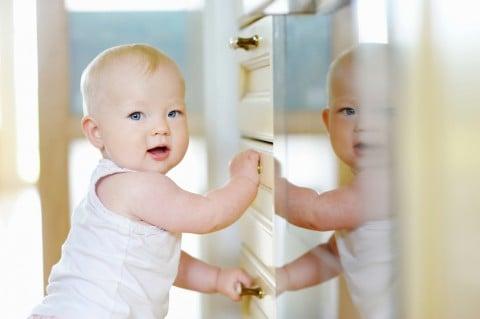 赤ちゃん つかまり立ち 部屋