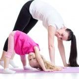親子 ヨガ 母 子供 運動