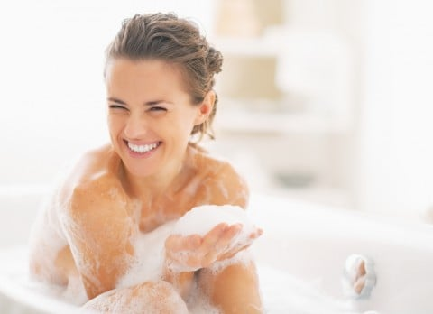 女性 ママ 風呂 半身浴 泡