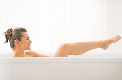 女性 ママ 風呂 半身浴 バスタブ 入浴