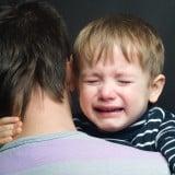 子供 泣き顔 痛い 悲しい