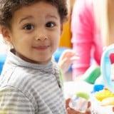 保育園 幼稚園 子供 びっくり