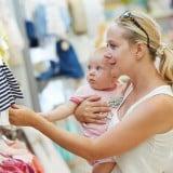ショッピング モール ママ 赤ちゃん 親子 買い物