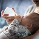 赤ちゃん 哺乳瓶 母乳