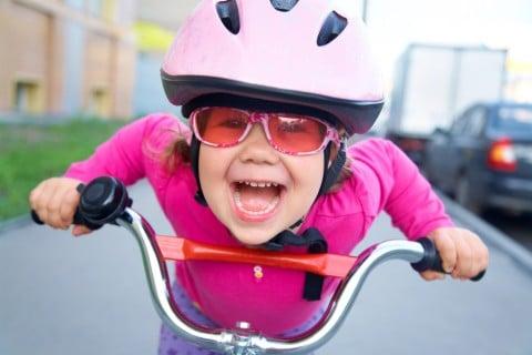 自転車 女の子 子供 ヘルメット