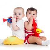赤ちゃん 楽器 遊ぶ 男の子