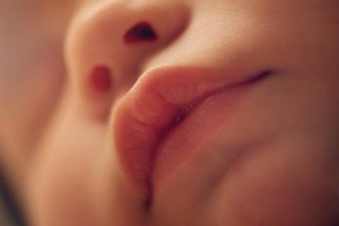 赤ちゃん 子供 唇 口