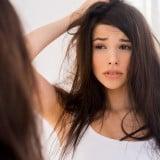 女性 不安 不調 体調不良 鏡