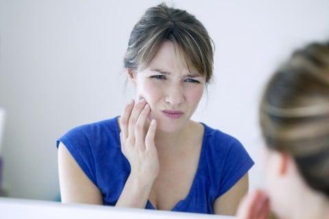 歯 痛い 女性 悩み 虫歯