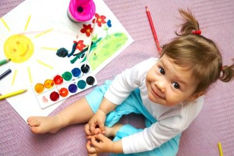 お絵かき 絵具 お絵描き 女の子 幼児