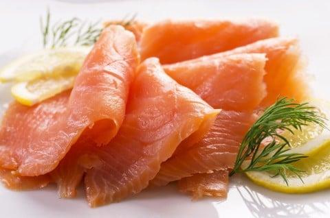 スモークサーモン 鮭 生魚