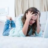 女性 パソコン 悩み 疑問 不安