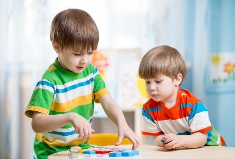 男の子 兄弟 おもちゃ 知育 部屋 室内 遊び パズル つみき