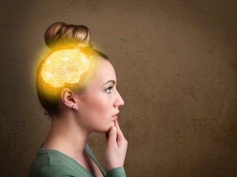 女性 脳 ホルモン 考える