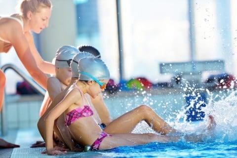 スイミングスクール 水泳教室 子供 プール