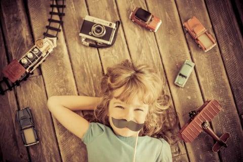 子供 おもちゃ セピア アンティーク 子供部屋