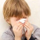 子供 花粉 くしゃみ 鼻水 ティッシュ
