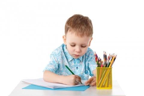 鉛筆 子供 男の子 書く スケッチ お絵かき