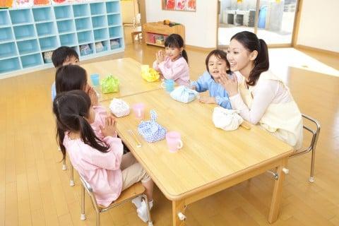 幼稚園 お弁当 ランチ 先生 子供 お昼 保育園