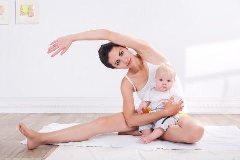 親子 ママ 赤ちゃん 運動 ストレッチ