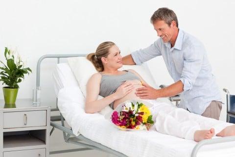 出産 入院 妊婦