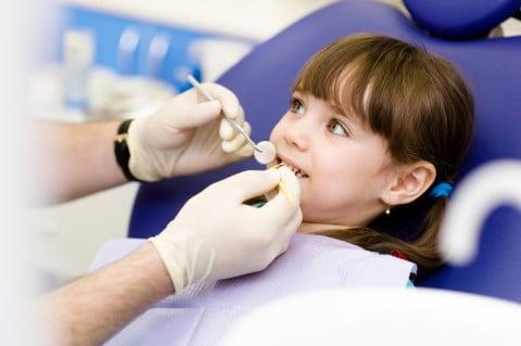 子供 歯医者 治療 虫歯