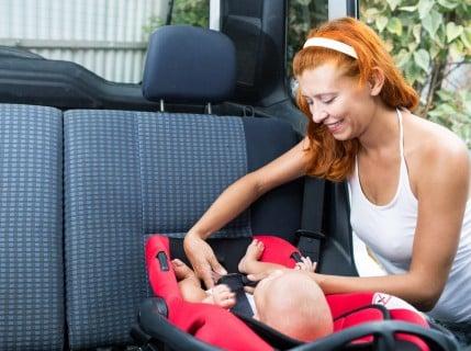 ベビーシート 新生児 赤ちゃん チャイルドシート ママ 車 お出かけ