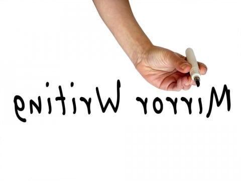 鏡文字 文字 英語