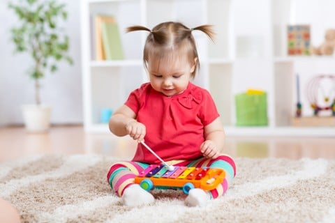 木琴 おもちゃ 女の子 遊び 室内
