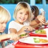 保育園 幼稚園 給食 食事