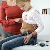 糖尿病 インスリン 女の子 注射