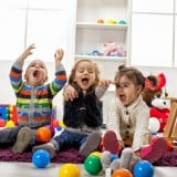 保育園 部屋 子供 遊び
