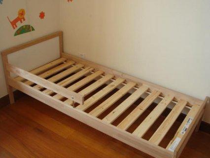 要出典 子供用ベッド イケア SNIGLAR ベッドフレームとすのこ