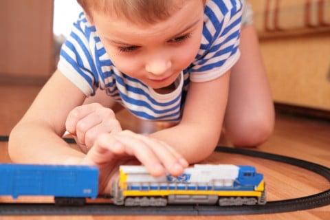 男の子 電車 遊び おもちゃ