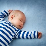 赤ちゃん 寝る 熟睡 仰向け