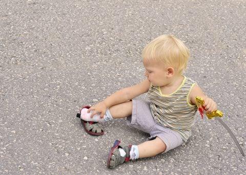 子供 赤ちゃん 男の子 サンダル 剣 戦い
