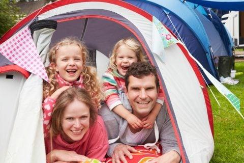 テント キャンプ 家族 お出かけ