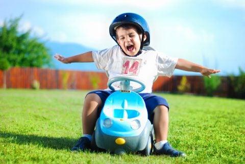 乗り物 乗用玩具 男の子 外 遊び