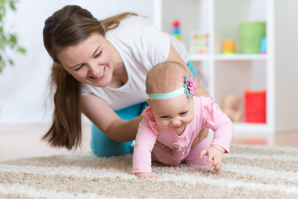 生後7・8・9ヶ月の赤ちゃんとの遊び方8選!自己肯定感を高めよう