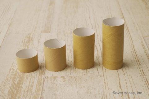 トイレットペーパーの芯 手作り おもちゃ ポンポン数遊び 作り方1