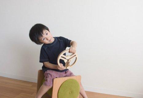 要出典 木製ハンドルのおもちゃ guido(グイード)