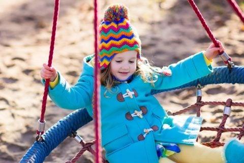 公園 コート 冬 寒い 子供 女の子 帽子 ニット コート ダッフル