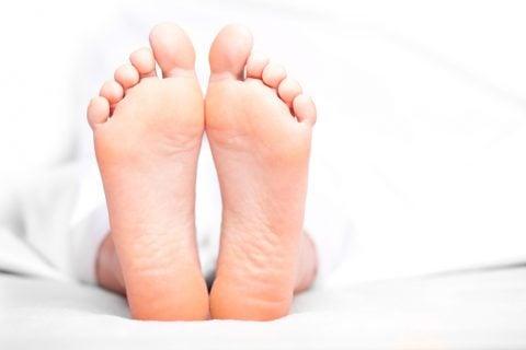 足の裏 ベッド