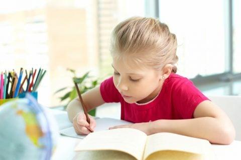 勉強 学習 宿題 小学生 女の子