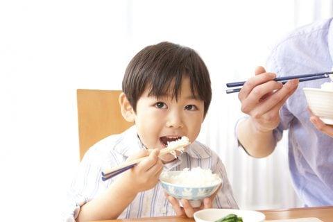 子供 男の子 日本人 朝ごはん 朝食 米 ごはん