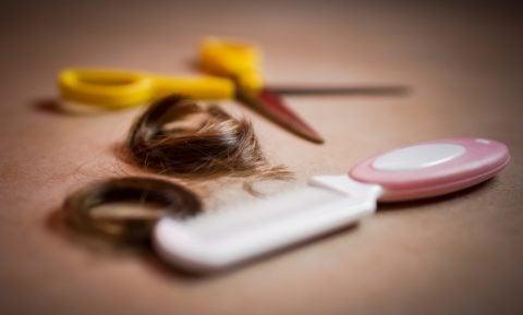 赤ちゃん 散髪 髪の毛