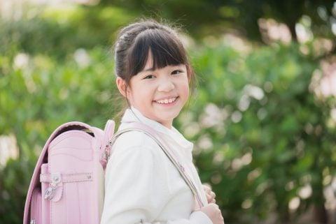 日本人 女の子 小学生 ランドセル