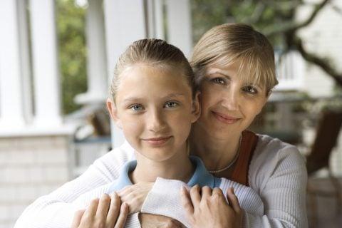 母娘 小学生 12歳 中学生 女の子 親子 思春期 生理