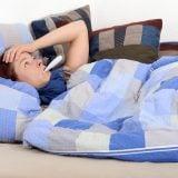 女性 ベッド 風邪 基礎体温